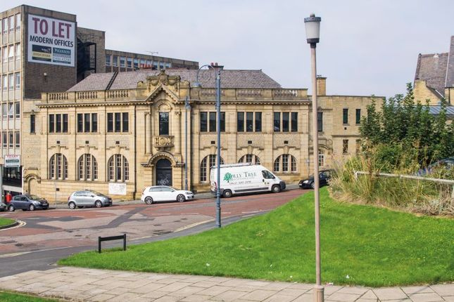 Thumbnail Flat for sale in Wakefield Old Road, Dewsbury