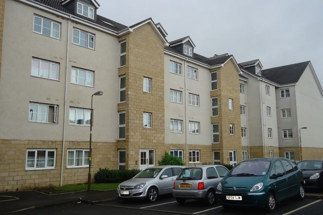 Thumbnail Flat to rent in Queens Crescent, Livingston, West Lothian