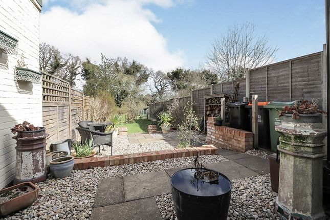 Thumbnail Terraced house for sale in Summer Street, Slip End, Luton