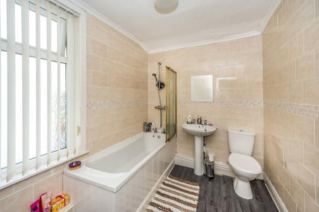 Bathroom of Florence Street, Liverpool, Merseyside L4