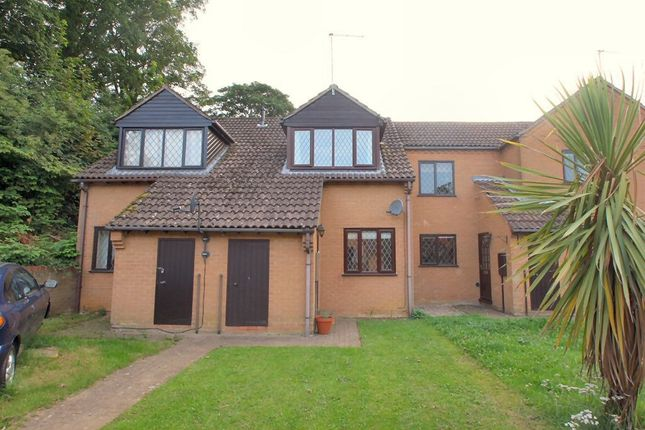 Thumbnail Terraced house to rent in Willow Close, Uppingham, Oakham