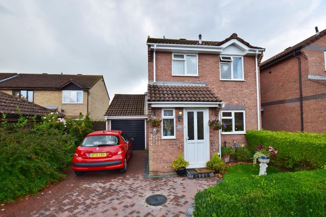 Thumbnail Detached house for sale in Drake Road, Ashford