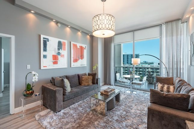 Outstanding 2 Bed Apartment For Sale In 6799 Collins Ave Miami Beach Download Free Architecture Designs Ponolprimenicaraguapropertycom