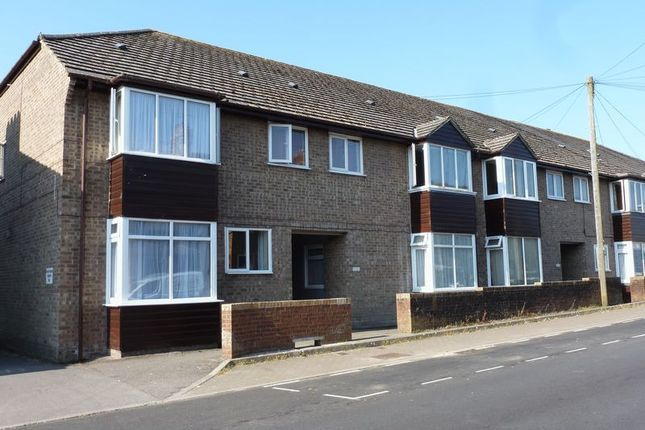 Thumbnail Flat to rent in Cambridge Road, Dorchester