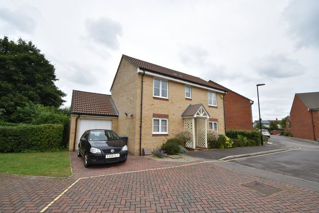 3 bed detached house for sale in Pipits Close, Havant PO9