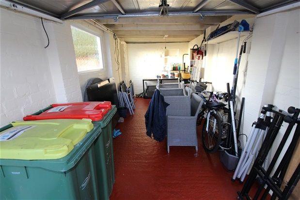 Garage of Hawthorn Crescent, Preston PR2