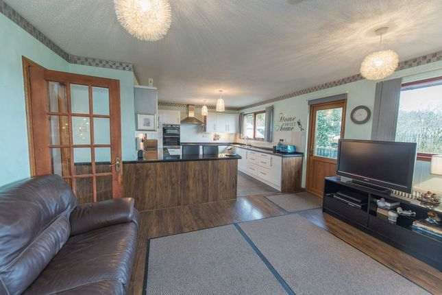 Thumbnail Bungalow for sale in Beechwood Park, Deans, Livingston