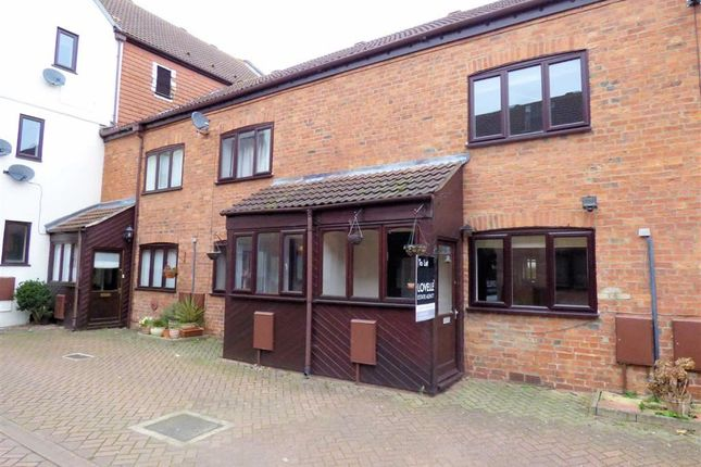 Thumbnail Town house to rent in Maltings Court, Market Rasen, Lincolnshire