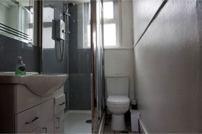 Shower Room of 18 Alexandra Terrace, Exmouth EX8