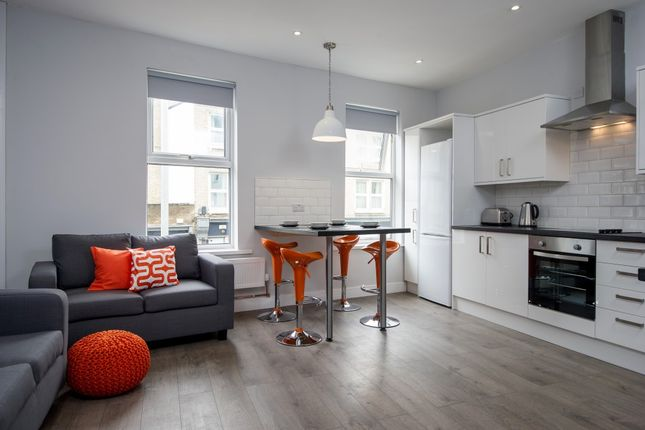 Thumbnail Flat to rent in Hills Road, City Centre, Cambridge