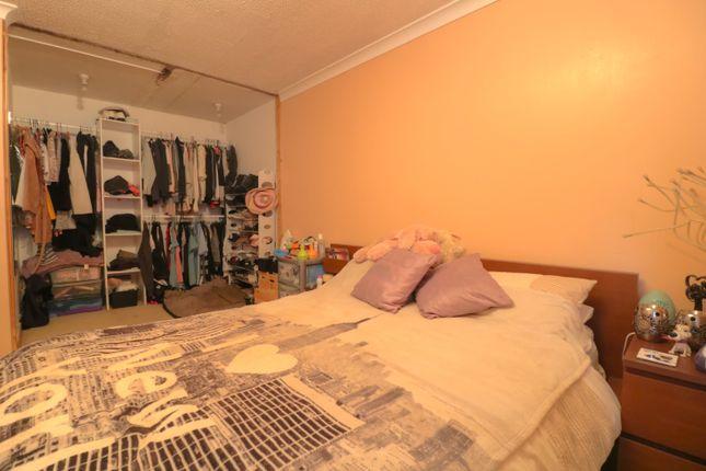 Bed 2 of Millcroft Road, Cumbernauld, Glasgow G67