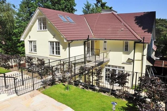 Thumbnail Flat to rent in Castle Road, Camberley
