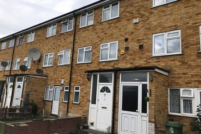 Thumbnail Flat to rent in Langdale Drive, Hayes