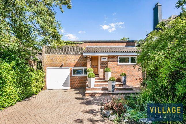 S25C4653 of Deacons Hill Road, Elstree, Borehamwood WD6