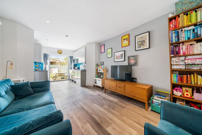 Thumbnail Flat to rent in Wolves Lane, Palmers Green, London
