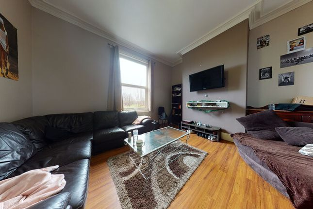 Thumbnail Terraced house to rent in Burley Road, Hyde Park, Leeds
