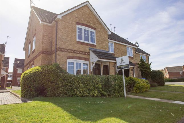 1 bed semi-detached house to rent in Carnation Way, Aylesbury HP21