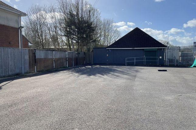 Retail premises to let in Wimborne