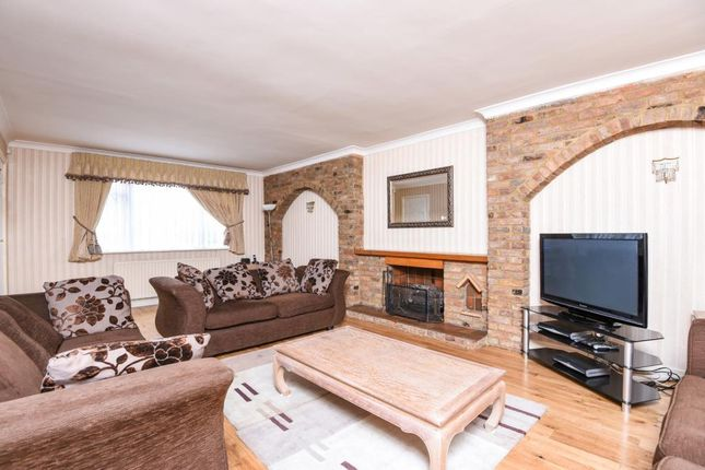 Thumbnail Detached house to rent in Hendon Avenue, Finchley