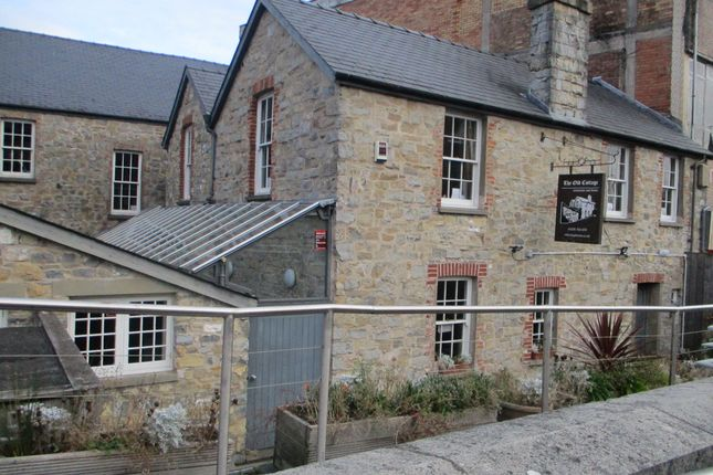 Thumbnail Restaurant/cafe to let in Restaurant/Leisure Opportunity, Queens Street, Bridgend