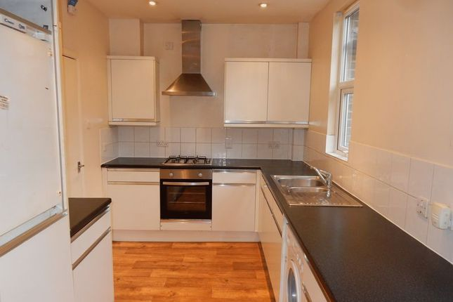 Thumbnail Terraced house to rent in Old Lodge Lane, Purley