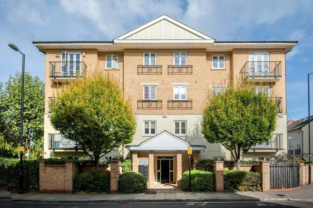 Thumbnail Flat to rent in Maltings Lodge, Corney Reach Way, London