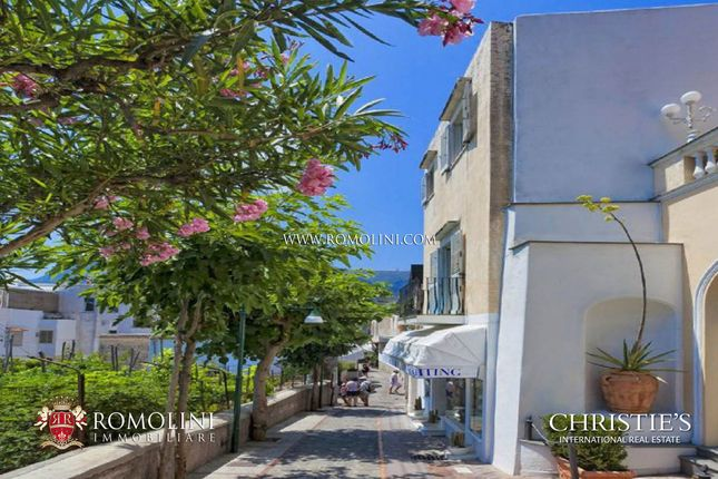 Thumbnail Apartment for sale in Capri, Campania, Italy