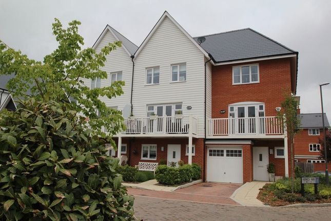 Thumbnail End terrace house to rent in Venics Way, High Wycombe