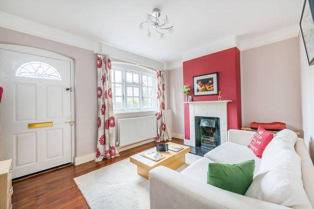 Thumbnail Cottage to rent in Bell Lane, Twickenham