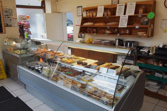 Thumbnail Restaurant/cafe for sale in Cafe & Sandwich Bars HX4, Greetland, West Yorkshire