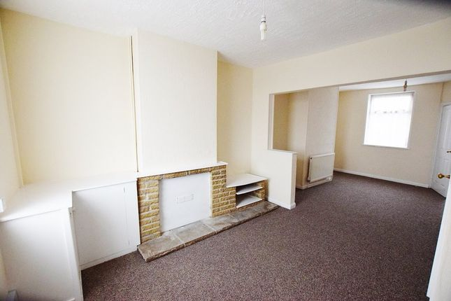 Thumbnail Terraced house to rent in Broomhill Lane, Mansfield