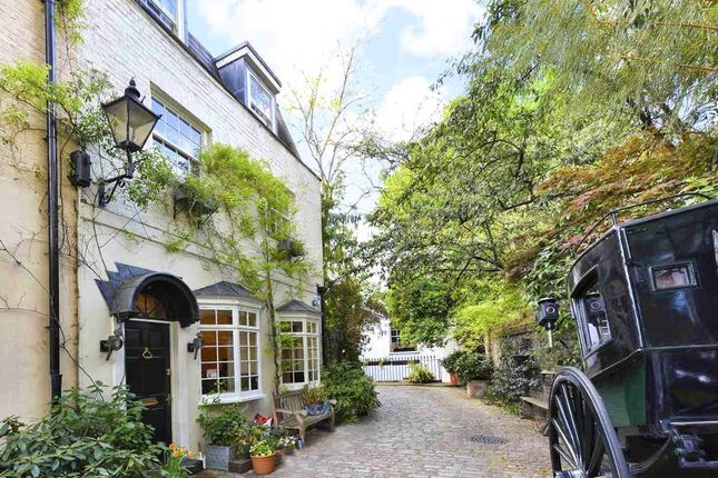 Thumbnail Semi-detached house for sale in Albion Mews, Hyde Park, London