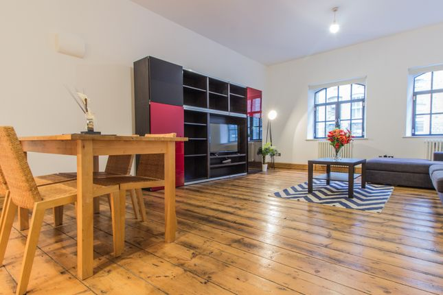 Thumbnail Flat to rent in 6 Pear Tree Court, London