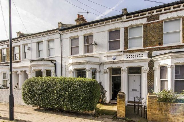 3 bed flat for sale in Solon Road, London