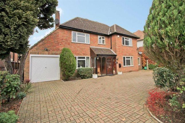 5 bed detached house to rent in Highfield Drive, Ickenham, Uxbridge