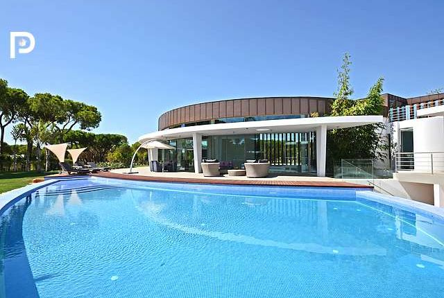 Thumbnail Villa for sale in Vilamoura, Algarve, Portugal