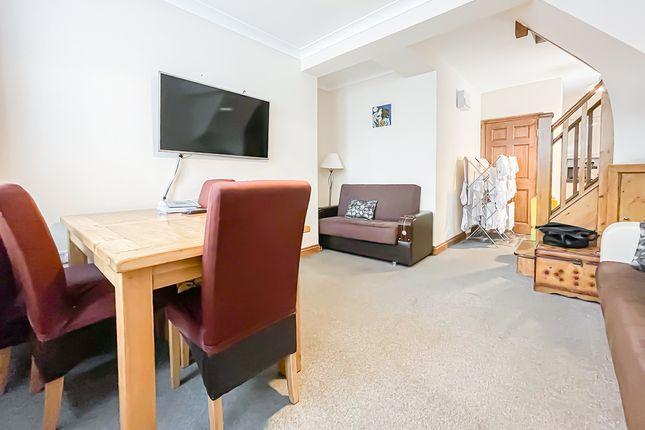 Thumbnail Maisonette to rent in Norfolk Avenue, London