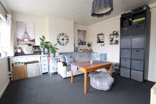 Flat to rent in Ruislip Road, Greenford