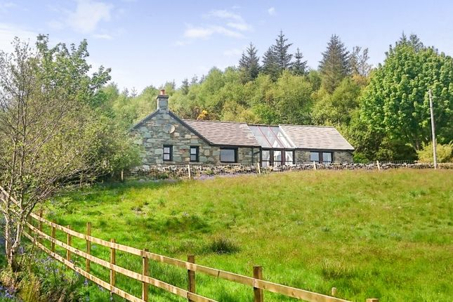 Thumbnail Cottage for sale in Silvercraigs Cottage Silvercraigs By, Lochgilphead