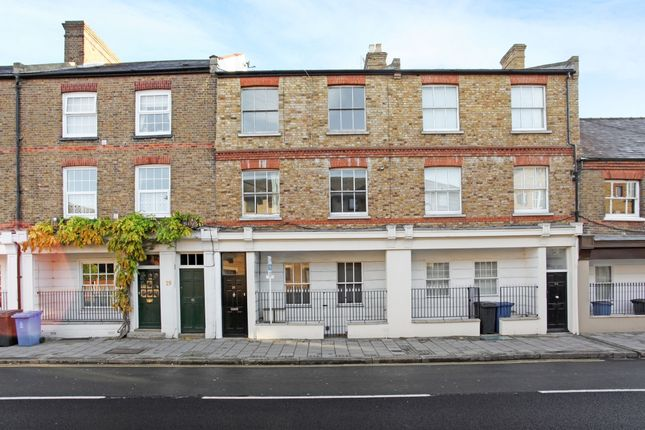 Thumbnail Flat to rent in Kings Road, Windsor