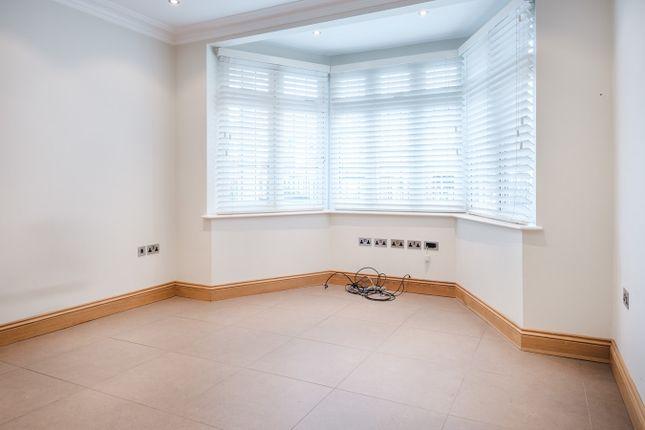 Thumbnail Property to rent in Strathearn Avenue, Twickenham