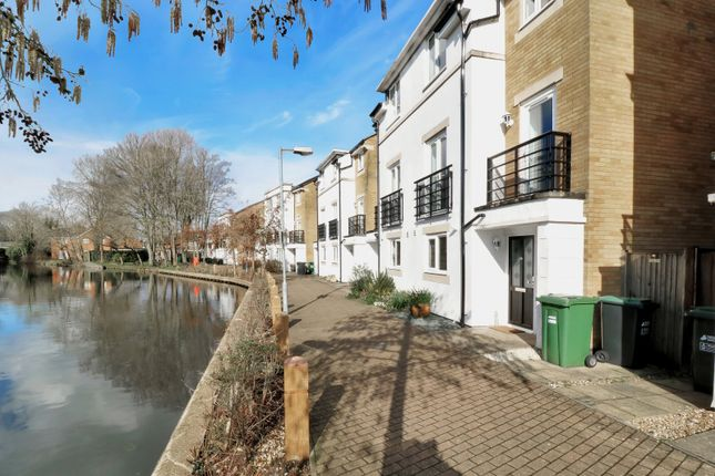 Property for sale in Grand Union Way, Kings Langley