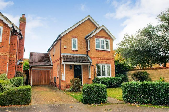 Thumbnail Detached house to rent in Holly Drive, Aylesbury