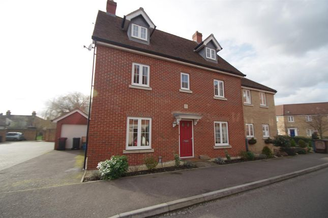 Thumbnail Detached house to rent in Sanville Gardens, Stanstead Abbotts, Ware