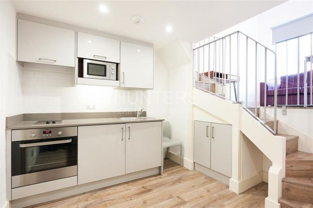 1 bed flat to rent in Luminaire Apartments, London