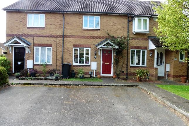 Thumbnail Terraced house for sale in Knaphill, Woking