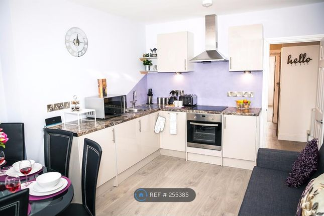 Thumbnail Flat to rent in South Cliff Avenue, Eastbourne
