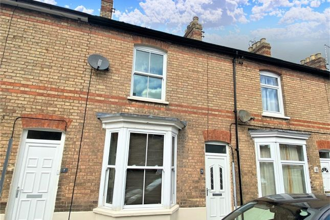 Thumbnail Terraced house to rent in Wilfred Road, Taunton