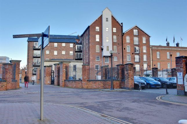 Thumbnail Flat for sale in Pridays Mill, Commercial Road, Gloucester Docks