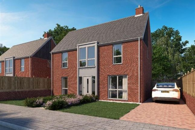 Thumbnail Detached house for sale in Willesborough Road, Kennington, Ashford
